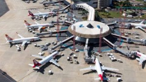 Em março a ABEAR indicava o crescimento de 6% da Demanda por voos.