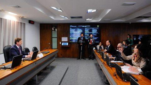 Ministro dos Transportes será convidado a explicar decisão de privatizar Infraero.