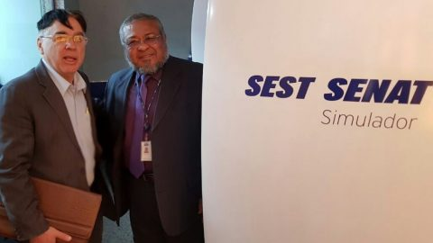 Presidente do SINEAA visita Simulador de Direção no SEST/SENAT.