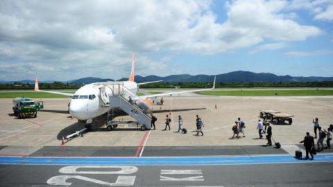 Diretor da Infraero discute ampliação do aeroporto de Navegantes.