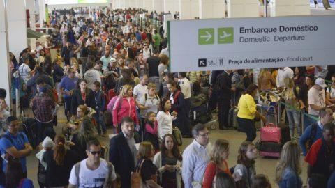 Demanda por transporte aéreo doméstico cresce 5,51%, diz Abear.