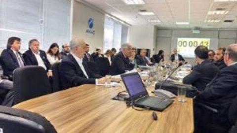 Sindag participa de encontro da aviação civil.