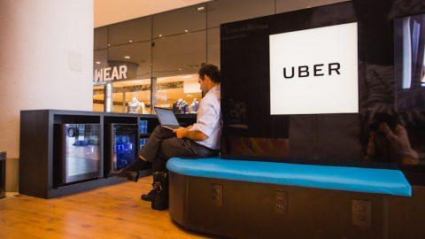 Infraero vai retirar anúncios da Uber do aeroporto.