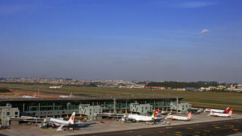 Falha em duto de combustível quase compromete operação do aeroporto de Guarulhos .