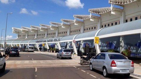 Infraero: 3 aeroportos voltam a ter combustível e outros 10 seguem sem.