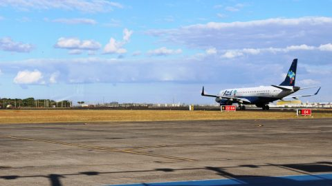 Ministro dos Transportes anuncia obras de ampliação no aeroporto de Uberlândia.