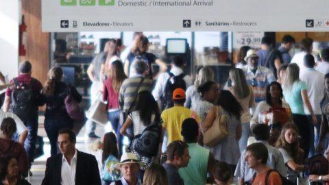 Aviação brasileira volta ao patamar de 100 milhões de passageiros transportados em 12 meses.