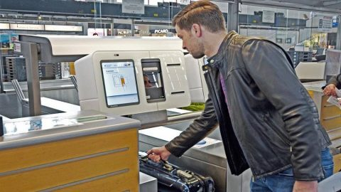 RIOgaleão é o primeiro aeroporto a utilizar sistema de autoatendimento para despacho de bagagens no Brasil.