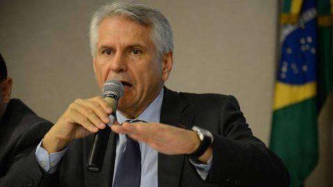 Antônio Claret de Oliveira, presidente da Infraero, é homenageado em jantar chez Nelson Wilians.