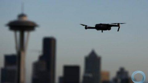 Indra anuncia sistema antidrone pioneiro para uso em aeroportos.