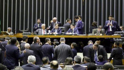 Câmara dos Deputados aprova projeto de participação de capital estrangeiro em Cias Aéreas.