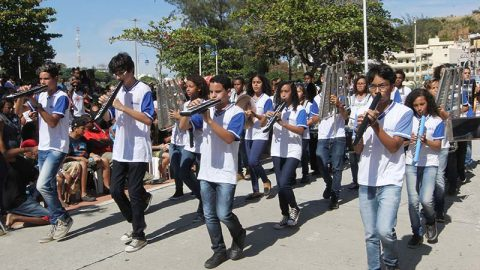 Desfile cívico na Imbetiba e apresentação da Esquadrilha da Fumaça irão comemorar os 206 anos de Macaé